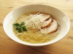 おいしい中華鶏そば Sushi Rolls, Food Categories, Noodle Soup, Different Recipes, Japanese Food, Ramen, Noodles, Recipies, Favorite Recipes