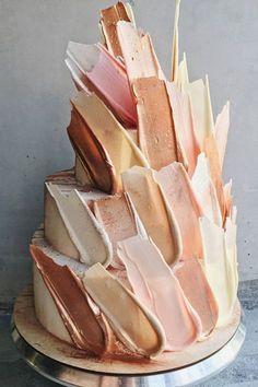 Ein neuer Trend in Sachen Hochzeitstorte: Brush Stroke Cakes! Wir stellen euch die schönsten Brush Stroke Cakes auf dem Blog vor und zeigen euch den Trend!