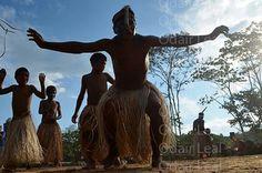 Brincadeira do abutre na aldeia Mutum Festival Mariri 2014