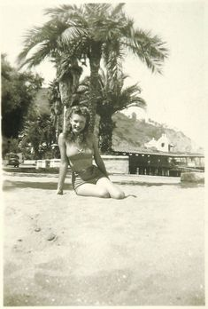 A young Norma Jeane on Catalina Island (ca. looks so different but still very beautiful . Marilyn Monroe was a beauty even in her not v so famous time