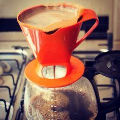 Café passando e inspiração chegando. ;)  #Melitta #coffeetime #comfiltro #coado