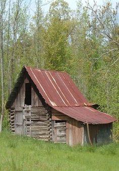Antique Log Barns | An Old Log Barn | Barns #provestra