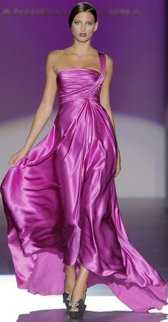 Beautiful Long Dresses, Stunning Dresses, Purple Evening Gowns, Evening Dresses, Gala Dresses, Satin Dresses, Prom Dress Couture, Silky Dress, Estilo Fashion