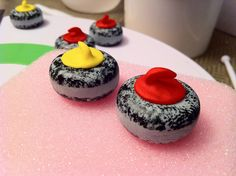 Curling rock cupcakes