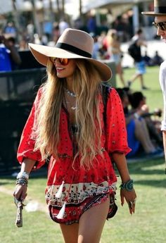 Bohemian prints are perfect for festival outfits! #festivaloutfits