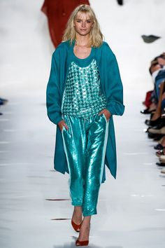 tendencias primavera 2013 tonos metalicos brillos plata oro cobre - Diane Von Furstenberg