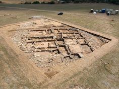 El 'oppidum' de El Llano de la Horca (Santorcaz, Madrid) Iberian Peninsula, Ancient Greek, Something To Do, Portugal, Around The Worlds, Community, River, Architecture, Grande