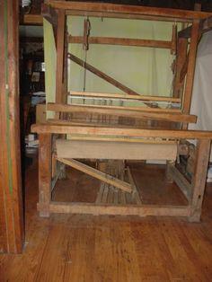 Antique-Barn-Weaving-Loom