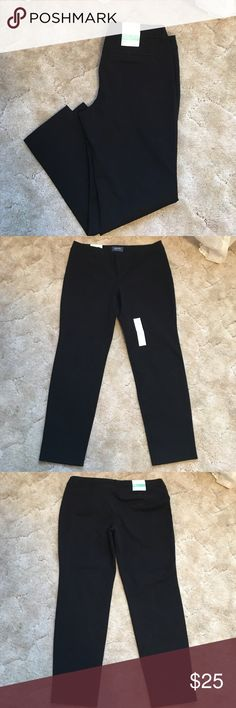 NWT Old Navy Pixie Pants Pair of NWT Old Navy Pixie mid-rise ankle length pants. Size 12. Old Navy Pants Ankle & Cropped
