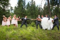 Strike a Pose: 5 Hilarious Wedding Party Photos