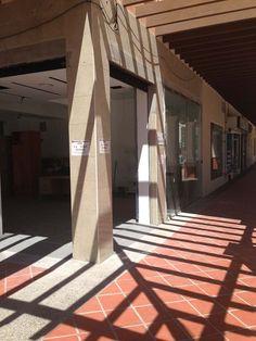 Imagen correspondiente al proceso de reforma de la farmacia Stairs, Home Decor, Renovation, Pharmacy, Towers, Stairways, Stairway, Interior Design, Home Interiors