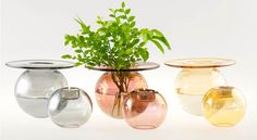 Boblen vase og telysholdere i metall