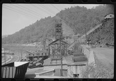 Coal mine tipple, Caples, West Virginia, 1938.