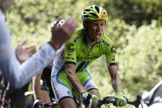 Cycling Photos @Passion_Cycling A Ivan Basso se le ha hechu muy muy largo el #giro pic.twitter.com/CRupZaDDD7