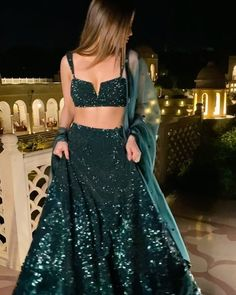 Punjabi Indian Wedding Gowns, Party Wear Indian Dresses, Indian Gowns Dresses, Indian Bridal Outfits, Indian Bridal Fashion, Dress Indian Style, Indian Fashion Dresses, Indian Designer Outfits, Wedding Lehenga Designs