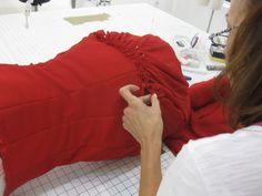 Ruching skirt Sewing Class, Sewing Studio, Dress Stand, Class Projects, Bean Bag Chair, Skirt, Tips, Beanbag Chair, Skirts