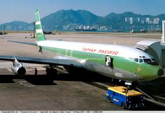 Cathay Pacific Boeing 707-351C VR-HGP on a clear day at Hong Kong-Kai Tak, circa May 1979. (Photo: Augusto Gomez Rojas)