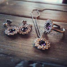 Ametista e brillanti. Orecchini anello e ciondolo. Per info e prezzi visitate lo shop sul sito www.giorgioguididesign.com. oppure contattatemi in privato o su WhatsApp al numero 3398603593. #ametist #bijoux #anelloargento #anello #anelloconpietre #orecchini #ciondoliargento #ciondoloconpietra #trends #shoppingonline #etsyjewelry #silverjewelry #rings #giorgioguididesign #gioielli #accessories #moda #woman #spring #madeinitaly #handmadejewelry #umbria #artigianato #argento925 #artigiano4.0…