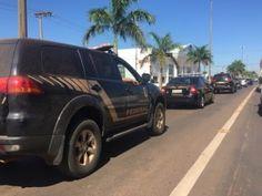 A Polícia Federal deflagrou na madrugada desta quinta-feira (29) a operação 'Falso Domicílio' em Boa Vista, Amajarí e Pacaraima. Ao todo, 41 mandados de condução coercitiva (quando a pessoa é levada  ...