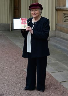 Dame Hyacinth: Actress Patricia Routledge, most famous for playing Hyacinth Bucket in the BBC sitcom Keeping Up Appearances, was made a Dame at Buckingham Palace on Friday British Sitcoms, British Comedy, British Actresses, British Actors, American Actors, Hollywood Actresses, Actors & Actresses, English Comedy, British Humour