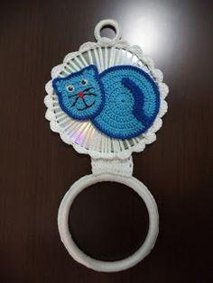 Fátima Moya Crochê: Porta pano de prato em CD gatinho azul