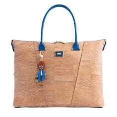 Kork Handtasche «Azulão» von Artipel – Kork Taschen und Accessoires Backpack Purse, Purse Wallet, Cork Fabric, Reusable Tote Bags, Backpacks, Purses, Wallets, Portugal, Handbags