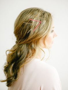 A pretty bobby-pinned hairstyle: Photography : You Look Lovely Photography Read More on SMP: http://www.stylemepretty.com/living/2016/05/13/how-to-transform-your-hair-with-just-6-bobby-pins/