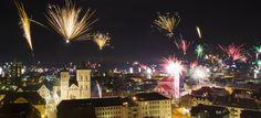 Feuerwerk über Osnabrück! Die schönsten Bilder unserer Fotografen. Diese Aufnahme ist von Michael Gründel. http://www.noz.de/gallery/overview#lightbox&25313&0