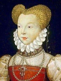 Margarita de Valois(1553-1615) Hija del rey Enrique II de Francia y de la reina Catalina de Medici.  Contrajo matrimonio con Enrique IV. Fue apartada de su marido retirándose a sus tierras de Usson en 1587. Se anuló el matrimonio en 1599 diez años después de que Enrique IV hubiera ascendido al trono, pero Margarita conservó el título de reina. En 1605 regresó a París.  Margarita de Valois falleció en esta ciudad el 26 de mayo de 1615.