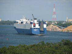 Ship traffic in the Savannah River