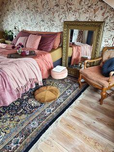 Home - Mindy Schroor Home Bedroom, Bedroom Decor, Bedrooms, Estilo Hollywood Regency, Diy Décoration, Aesthetic Room Decor, My New Room, Home Decor Inspiration, Chinoiserie