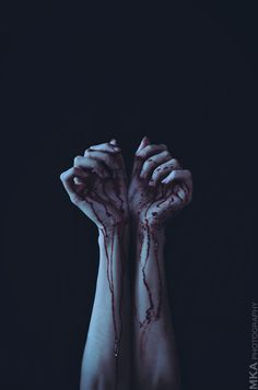 Eerie | Creepy | Surreal | Uncanny | Strange | 不気味 | Mystérieux | Strano | Stained Hands by MKAphotography