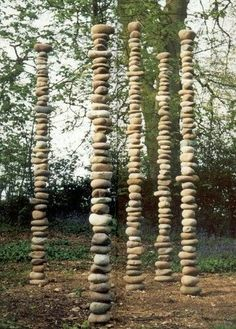 Land Art - The Tall Ones - Chris Booth sculpture. Land Art, Garden Totems, Garden Art, Tower Garden, Garden Crafts, Garden Projects, Art Environnemental, Rock Sculpture, Stone Sculptures