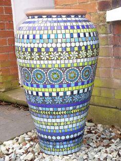 Blue mosaic ali baba pot v Mosaic Planters, Mosaic Vase, Mosaic Flower Pots, Blue Mosaic, Mosaic Tiles, Garden Mosaics, Mosaic Madness, Mosaic Crafts, Mosaic Projects