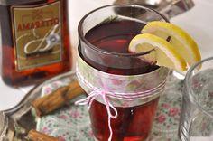 Herbstlicher Tee-Cocktail mit Amaretto