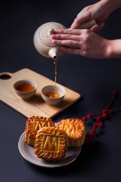 Mid-Autumn Festival on Behance Fall Cakes, Summer Cakes, Food Photography Tips, Cake Photography, Delicious Desserts, Dessert Recipes, Yummy Food, Chinese Moon Cake, Japanese Bread