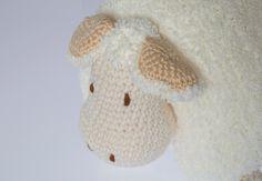 Knitting Sheep Toy Pillow Making - Strickmodelle - I love Animal :) First Birthday Parties, First Birthdays, Crochet Animals, Crochet Hats, Tree Wedding, Amigurumi Patterns, Sheep, Free Pattern, Beanie
