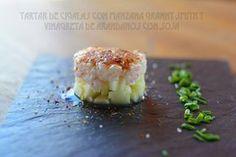 fresa & pimienta: Tartar de cigalas con manzana Granny Smith y vinagreta de arándanos.