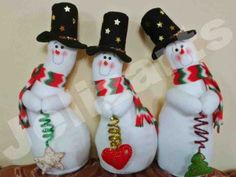 Resultado de imagen para nieves derretidos  en paño lency moldes Snowman Crafts, Diy And Crafts, Christmas Crafts, Christmas Decorations, Holiday Decor, Christmas Snowman, Christmas Stockings, Christmas Diy, Christmas Ornaments