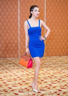 Siêu mẫu Kim Cương quyến rũ với váy hai dây