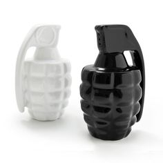Thabto: Taste Explosion S&P Shakers, at 33% off!