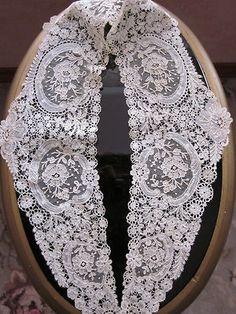 Duchesse lace collar...