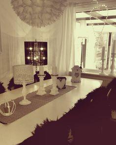 Småkillarna e på barnkalas va ska ja göra då?! Städa vila käka godis!? Blir nog dom två sistnämnda #skönahem #livingroom #vardagsrum #homedeco #homedesign #homestylinginspo #home #homedecor #homedecoration #interior_and_living #interior9508 #interior #interiordesign #interiordecor #inredning #inredningsdesign #interiordetails #shabby_chichomes #shabbychicdecor #decor #decoration #decorations #deco #finehjem #finahem #inspirasjon #inspiration #inspire_me_home_decor #inspohome #inspire by…