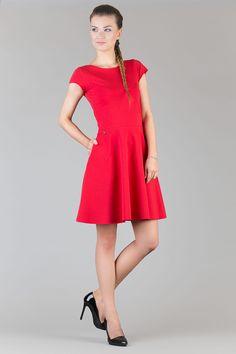 Sukienka dzianinowa, w ca?o?ci pozostawiona w stanie surowym. Na biodrach kieszenie w szwie. Wygodna i zwiewna. Idealnie nadaj?ca si? na upalnie dni. #modadamska #moda #sukienkikoktajlowe #sukienkiletnie #sukienka #suknia #sukienkiwieczorowe #sukienkinawesele #allettante.pl
