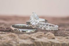 Alliances – Tendance : Destination LA Wedding with Natural, Rustic & Organic Décor Wedding Rings Teardrop, Wedding Rings Solitaire, Diamond Engagement Rings, Moon Earrings, Gold Hoop Earrings, Statement Earrings, Baguette, Wedding Engagement, Wedding Bands