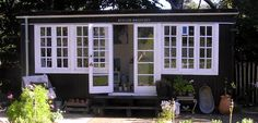 To kvinder med maleri og teknik. Shed Cabin, Small House Exteriors, Garden Planner, Rose Cottage, Garden Spaces, Tiny Living, Black House, Bed And Breakfast, Garden Inspiration