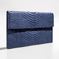 Vivid blue python clutch via Verinosa. Click on the image to see more!