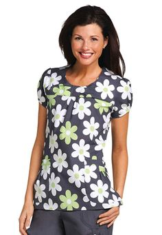 White Cross Pear Daisies print scrub top. Nothing says summer more than flowers! #ScrubsAndBeyondSummer