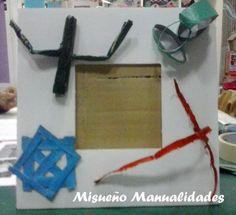 """Taller infantil """"decoramos un marco de fotos con recortes de rollo de papel de wc"""". El marco está hecho de cartón pluma y los rollos de papel de wc se pintan por dentro y por fuera. Y después a recortar... www.misuenyo.com / www.misuenyo.es"""