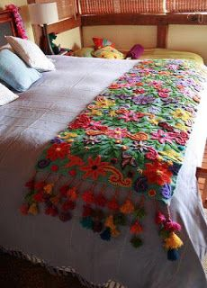 Table Bed runner embroidered Peru Off White Alpaca wool handmade flowers… Embroidery Designs, Ribbon Embroidery, Embroidery Stitches, Hm Deco, Knooking, Mexican Embroidery, Bed Runner, Fabric Art, Bohemian Decor
